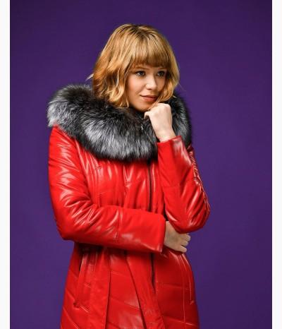 Алое пальто из эко-кожи c мехом чернобурки